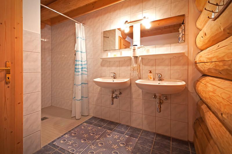 alpenchalets hollin. Black Bedroom Furniture Sets. Home Design Ideas